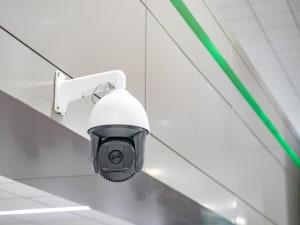 מצלמות אבטחה בבית העסק